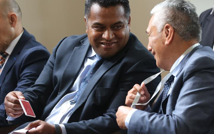 Minister Kris Faafoi and Te Arawa kaumatua, Monty Morrison, at the contact tracing card launch