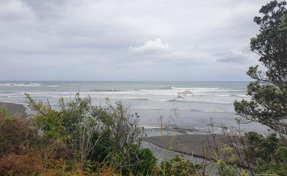 The Hauranga Pa hill is a popular spot for checking the surf.