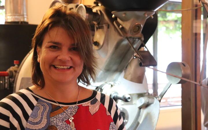 Linda Calder now works at Hawthorne Coffee.