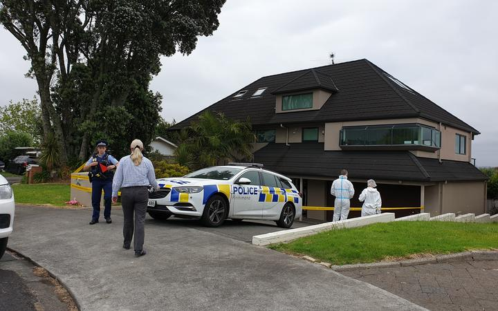 Police have launched a homicide investigation after finding a body in East Auckland yesterday which they now believe to be missing 55-year-old Elizabeth Zhong.