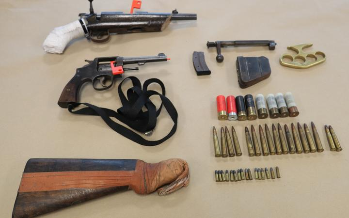 Police in Tāmaki Makaurau-Auckland have seized guns during search warrants in Counties Manukau.