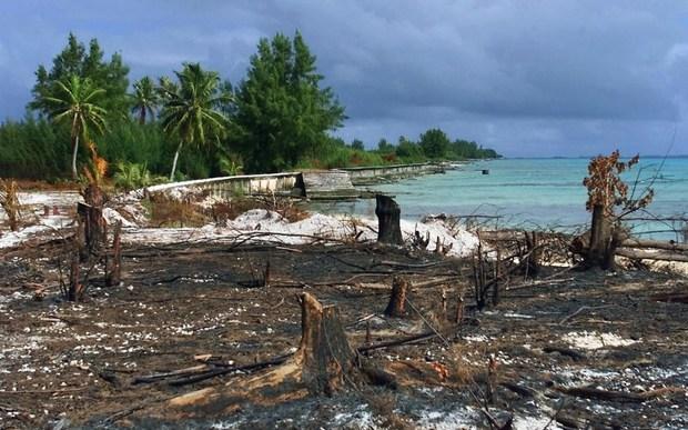 Moruroa atoll 6 June 2000