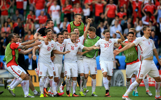 Poland celebrates its win against Switzerland on penalties in round of 16 of Euro 16.