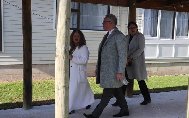 Principal Shona West with Ministers Kelvin Davis and Meka Whaitiri.
