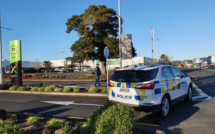 Police at LynnMall, New Lynn, Auckland - 4 September 2021