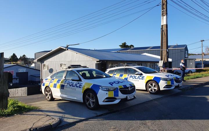 Police on guard at Masjid-E-Bilal mosque in Glen Eden, west Auckland - 4 September 2021