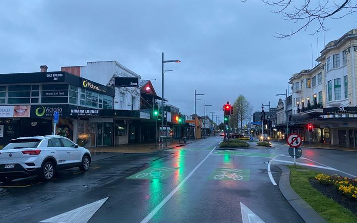 A quiet Hamilton street on Monday as part of the Waikato region starts five days of alert level 3 following two community cases of Covid-19.