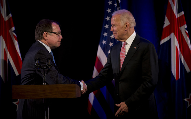 US Vice President Joe Biden shakes hands with Foreign Affairs Minister Murray McCully. 20 July 2016.