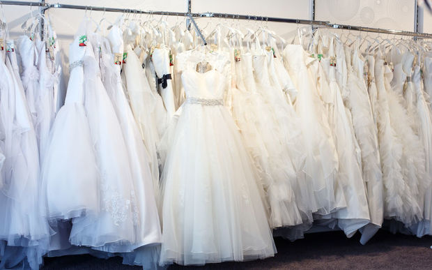 Brides left scrambling after boutique closes