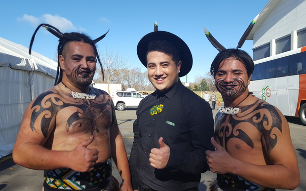 Students from Ngā Puna o Waiorea with their tutor, Pere Wihongi