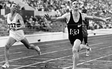 Peter Snell sprints to win the 800m final in front of Roger Moens from Belgium on 2 September 1960 during the Olympic Games in Rome.