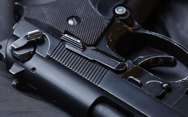 Police commissioner wants amnesty on illegal guns | RNZ News