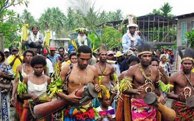 PNG chiefs being carried in Gulf Province
