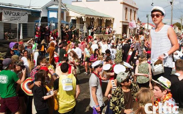 Dunedin's Hyde St Key Party (2015)
