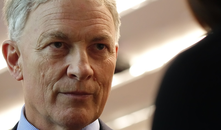 Phil Goff was among those to attend a meeting at the University of Auckland on 1 April 2016 after a series of violent attacks on international students.