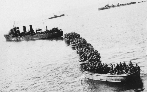 A landing party approaching the shore at Gallipoli.
