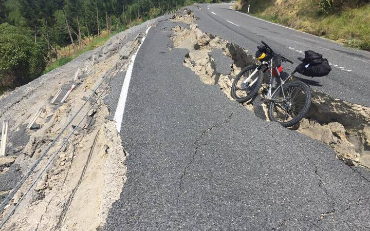 Damage to highways near Kaikoura.