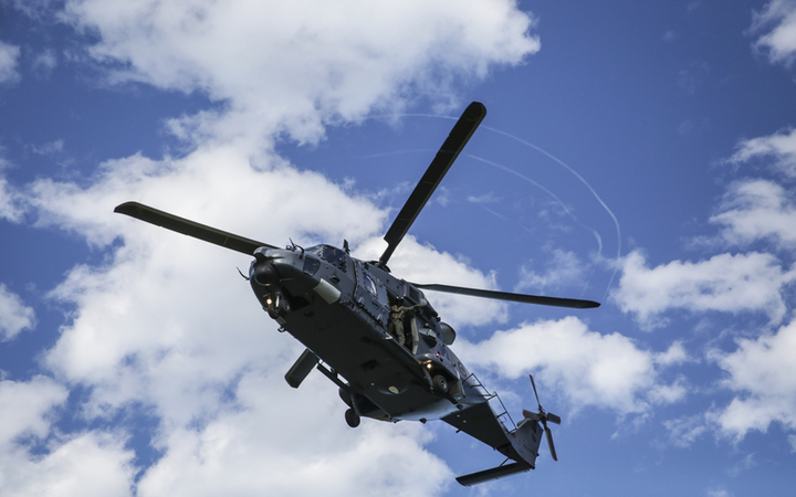 Kaikoura earthquake - NZ Defence Force helicopter
