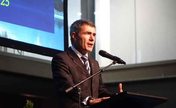 Primary Industries Minister Nathan Guy announcing the government's support for the Southland Regional Development Strategy, aimed at addressing the region's shortage of skilled people.