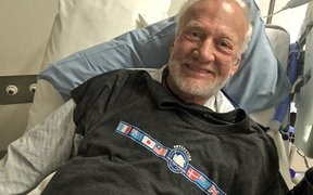 American astronaut Buzz Aldrin was evacuated from Antarctica because he was showing signs of altitude sickness, he says.
