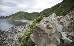 Landslide covers state highway 1 - north of Kaikoura