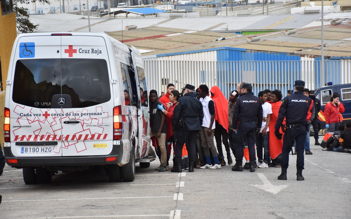 'Extremely violent, organized:' 1000 migrants storm Spanish enclave bordering Morocco