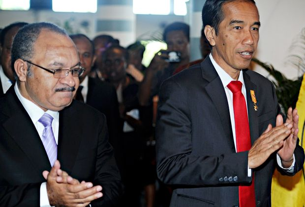 PNG PM Peter O'Neil and Indonesia president Joko Widodo
