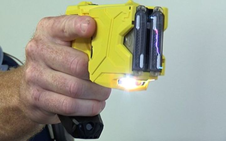 A NZ police-issue taser.