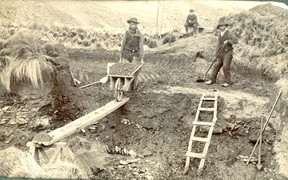 Cantonese miners at work near Waikaia