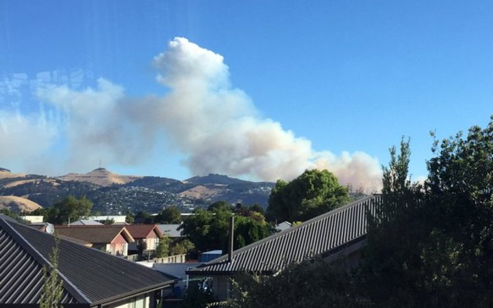 Crews are battling a fire on the Port Hills.