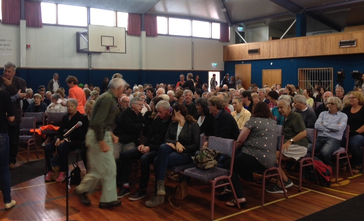Port Hills fire meeting, South West Baptist Church gymnasium, Sydenham