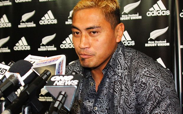 Jerry Collins announces his retirement from first-class rugby in 2008.