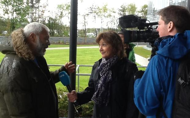 Mike Smith being interviewed by the Norwegian public broadcaster.