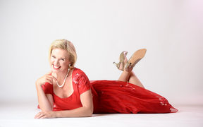 Ali Harper is bringing her one-woman show 'A Doris Day Special' to Auckland for Mother's Day.