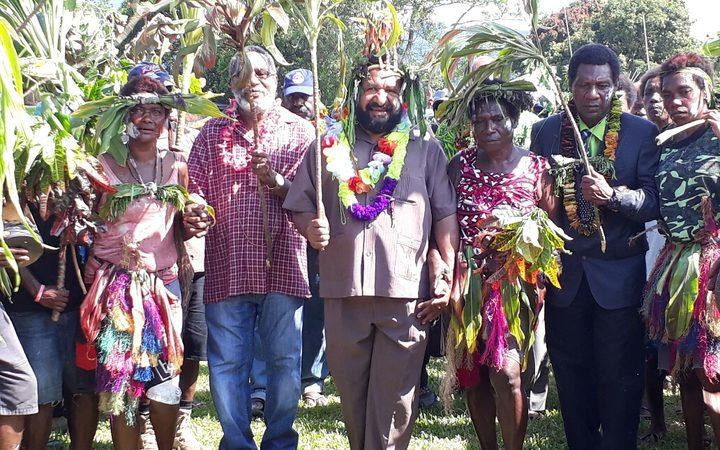 Don Polye with candidates John Pakua Ngawa and William Bill Gare in Talasea, WNB