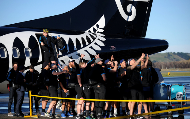 The Highlanders take a selfie as they arrive, triumphant at Dunedin airport