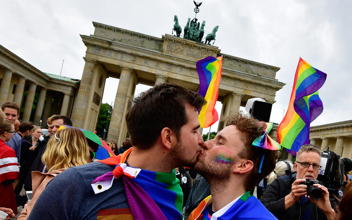 Euphoric scenes as Germany legalises same sex marriage