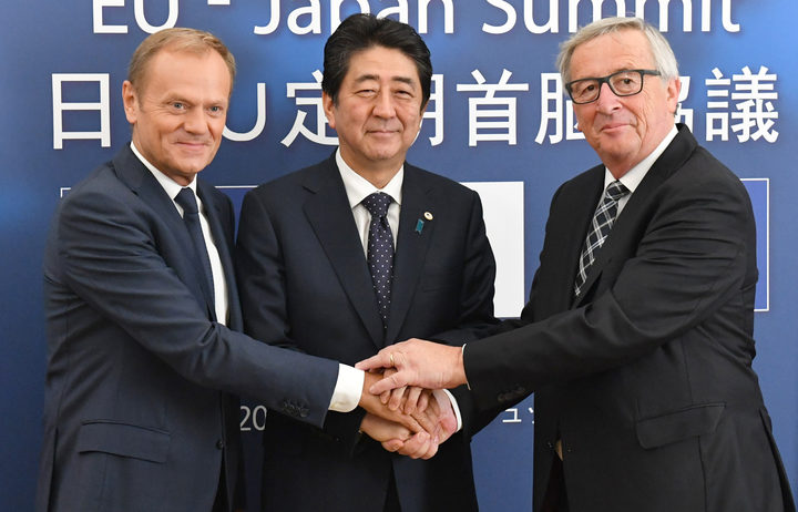(L-R) European Council President Donald Tusk, Japanese Prime Minister Shinzo Abe, and European Commision President Jean-Claude Juncker.