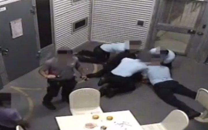 NZ detainees claim abuse on Christmas Island