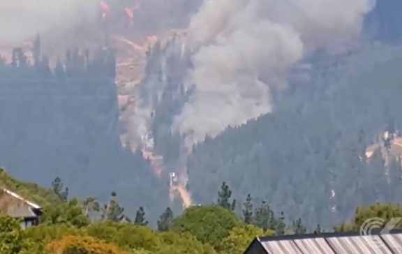 Chairlift may have spread Port Hills fire, Christchurch man says