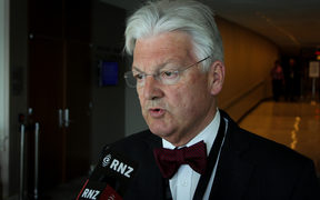 Associate Health Minister Peter Dunne.