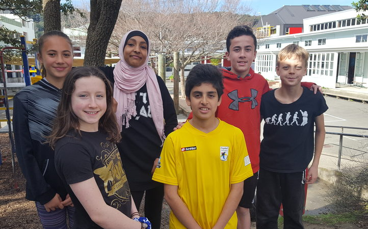Pupils from Mt Cook School in Wellington(L-R) Le'Aniva, Charlotte, Zainab, Mohammad, Reuben and Kea