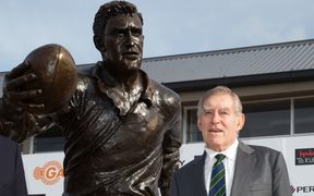 Former All Blacks Sir Colin Meads (right) and brother Stan at the unveiling of the statue of Sir Colin in Te Kuiti.