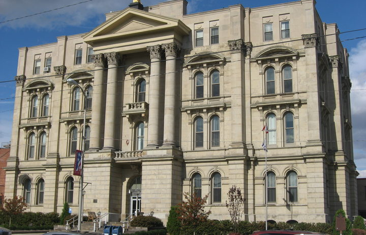 http://radionz.co.nz/assets/news_crops/40665/eight_col_Jefferson_County_Courthouse_in_Steubenville.jpg