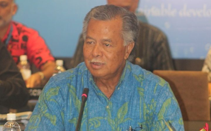 Cook Islands PM Henry Puna at SIS meeting Apia