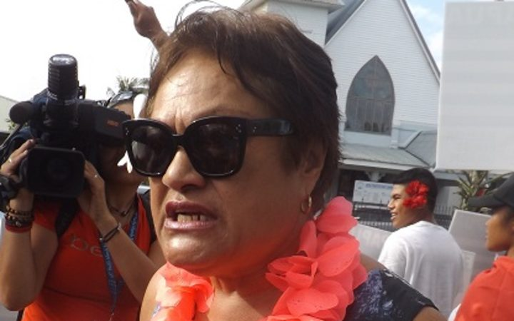 Samoa shutting down all services as death toll rises