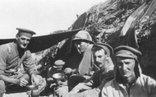 A group of soldiers share a meal on Gallipoli