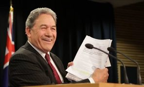 Winston Peters at Parliament criticising a newspaper report about him in front of the assembled press pack.