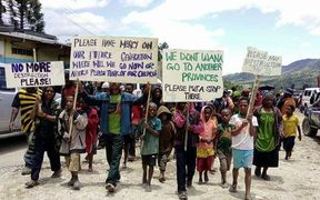 Peaceful protest against ongoing unrest in Mendi, 4 October 2017.