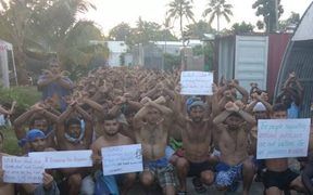 The daily protest in the Manus Island detention centre 5-11-17.